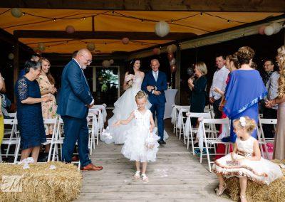 Trouwen in Hoeve Landzicht Bruidsfotograaf Gouda